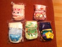 Продам детские носочки 0-12 месяцев,с игрушкой , противоскользящее покрытие.НОВЫЕ.