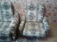 Продается срочно, не дорого комплект — диван + 2 кресла